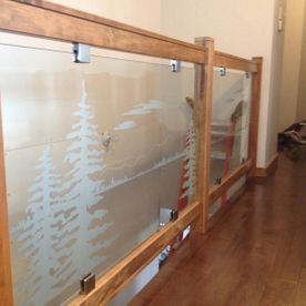 Hazleridge – Glass Railing With Decorative Vinyl
